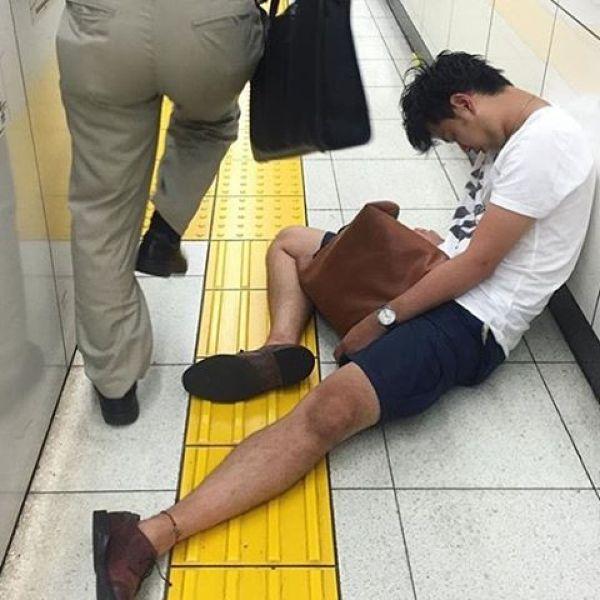 Japanese Sleeping In Public 14