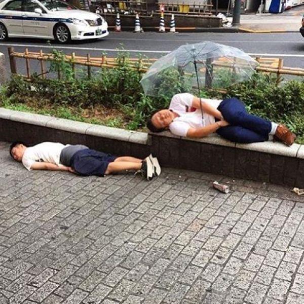 Japanese Sleeping In Public 15