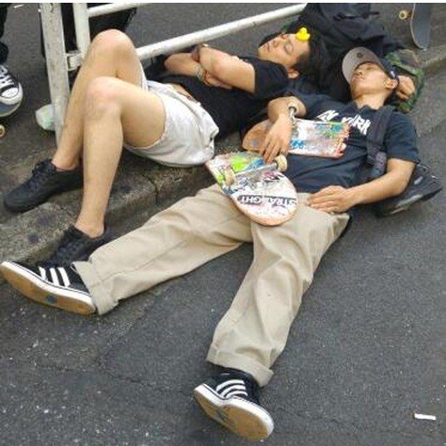 Japanese Sleeping In Public 18