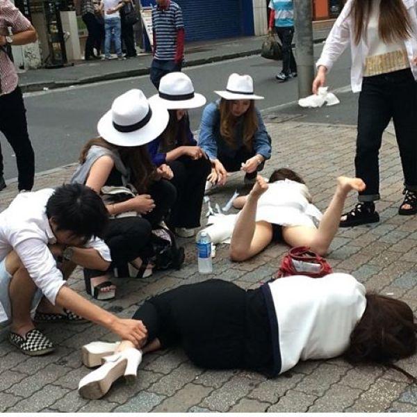 Japanese Sleeping In Public 9