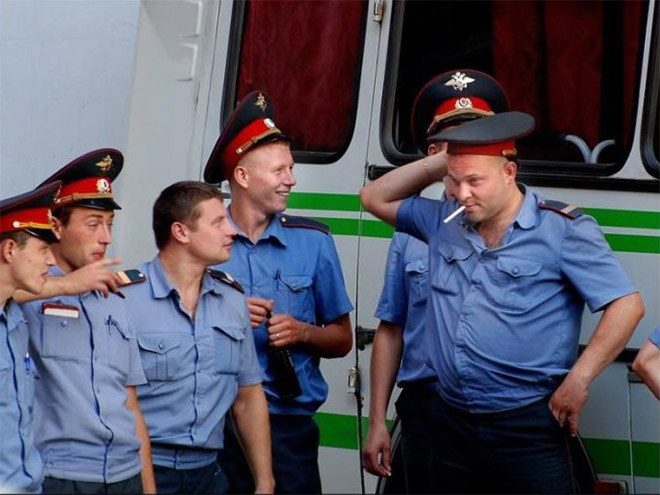 russian-police-fail-mucking-about