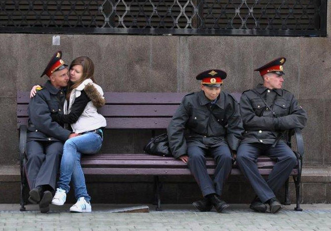 russian-police-fail-with-the-girls