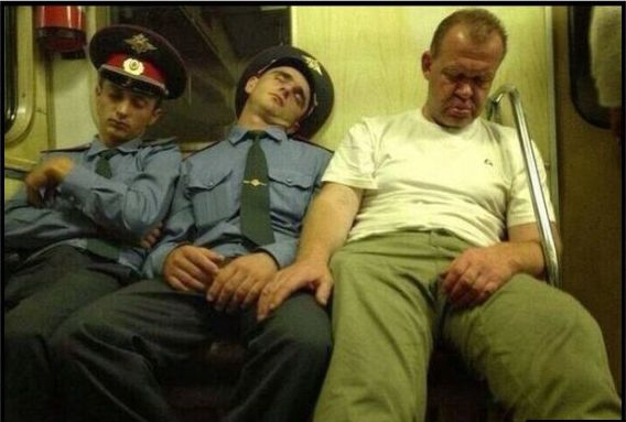russian-humour-sleeping-policeman