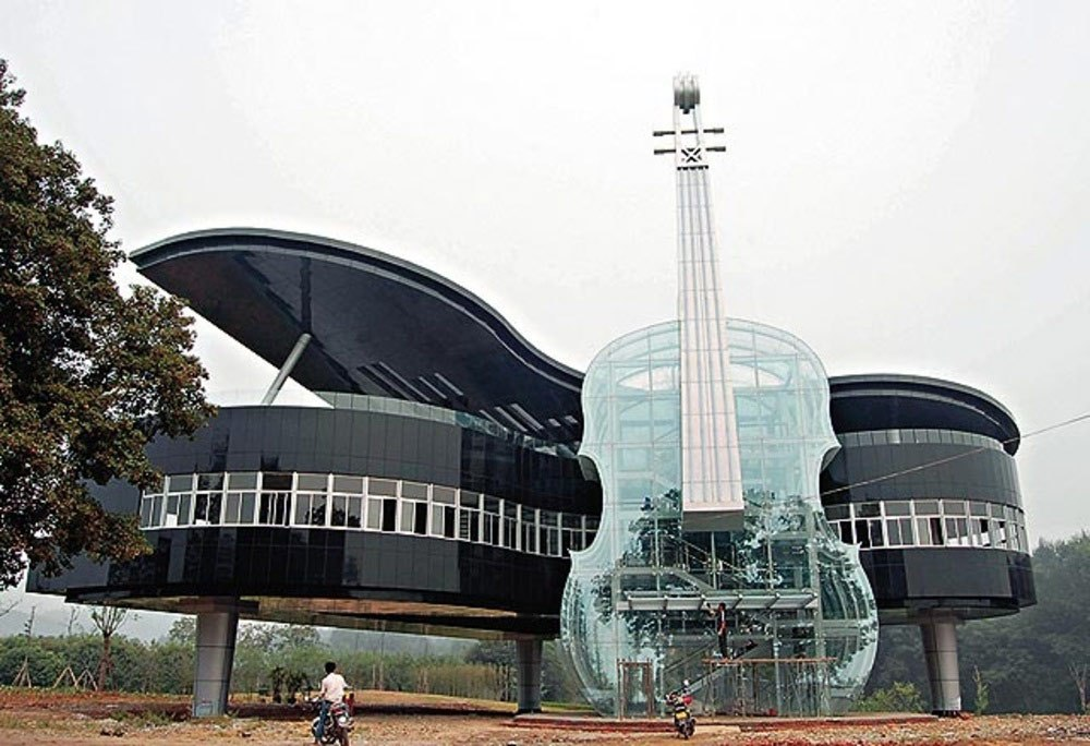 weird-china-ban-weird-archietcture-piano-cello