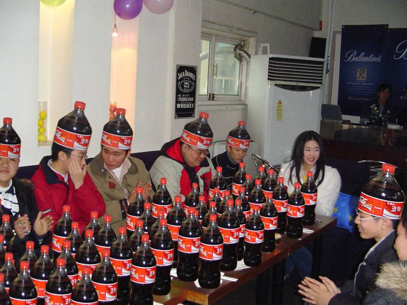 weird-china-coca-cola-party