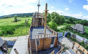 Russian Builds 16th Century Galleon In Garden