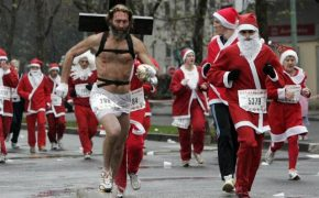 34 Relatively Amusing Christmas Pictures