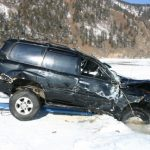 PHOTOS: Cars Stuck In Lake Baikal